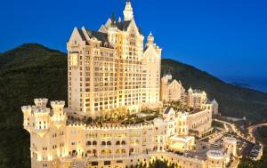 lux3557ex-158225-Hotel Exterior