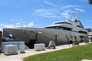 yacht-801123_960_720