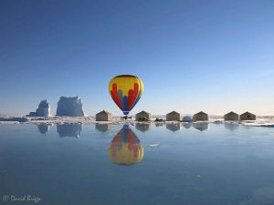 david_briggs_hot-air-balloon-in-camp